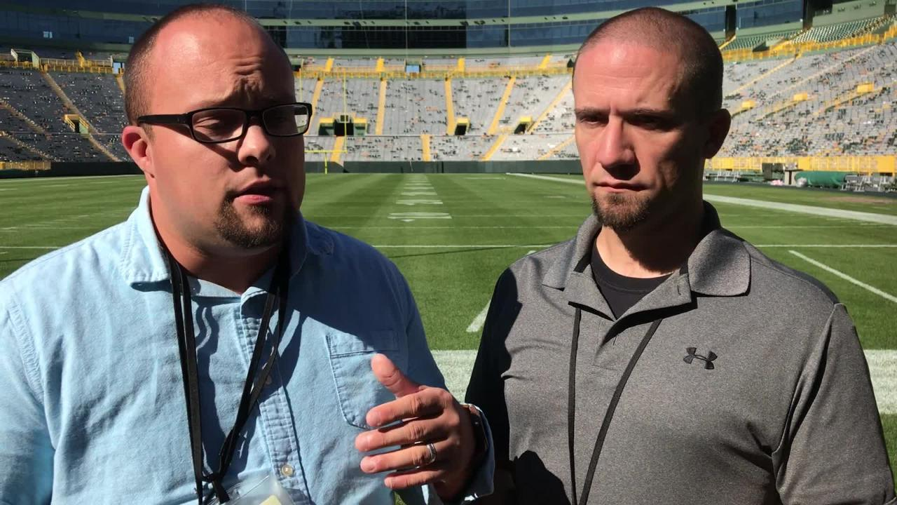 Beat reporters Ryan Wood and Jim Owczarski discuss where Aaron Rodgers stands in terms of being able to play with his knee injury.