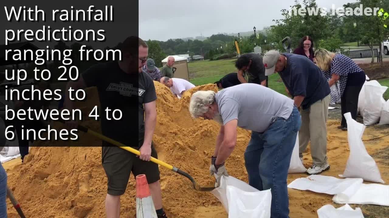 Waynesboro residents prepare for Hurricane Florence by making sandbags.