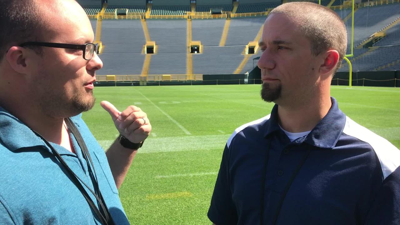 Packers beat writers Ryan Wood and Jim Owczarski discuss the outlook for quarterback Aaron Rodgers being able to play Sunday.