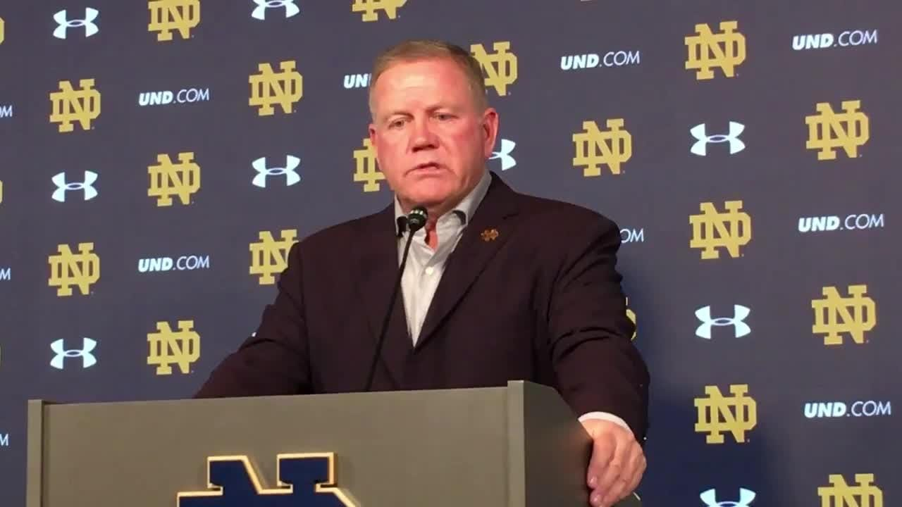 Notre Dame football: Brian Kelly is coy about quarterbacks