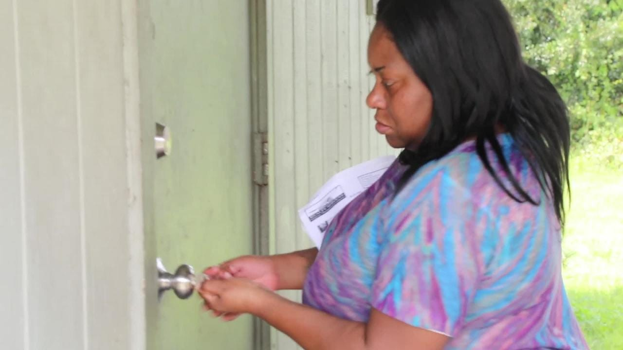 Ebony Lee looks forward to being free of the Jones Walker housing project in Fort Myers. She hopes a Section 8 voucher will afford her something better. But will it? The city is is trying to get 80 vouchers so every Jones Walker can move.