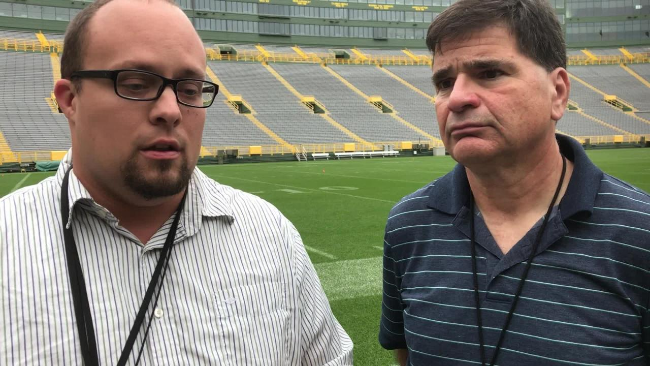 Packers beat writers Ryan Wood and Tom Silverstein discuss more locker room reaction to Clay Matthews' roughing penalty and the return of Aaron Jones.