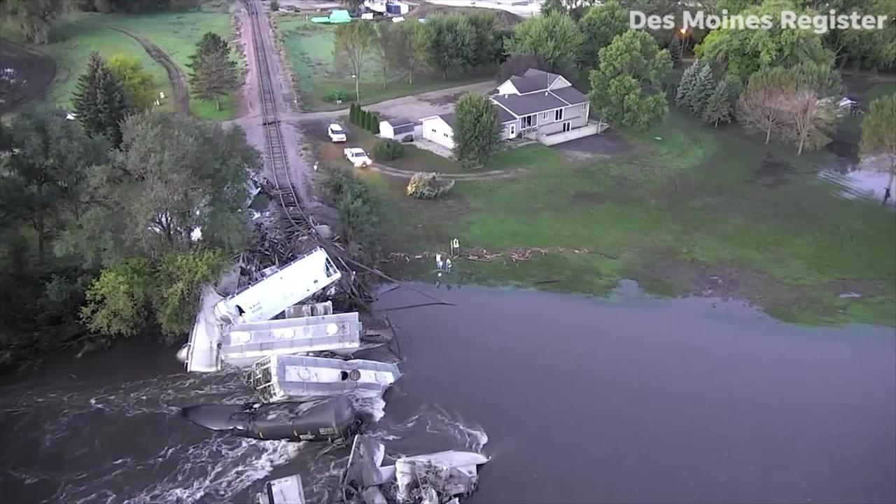 Drone video: Train derails in northwest Iowa
