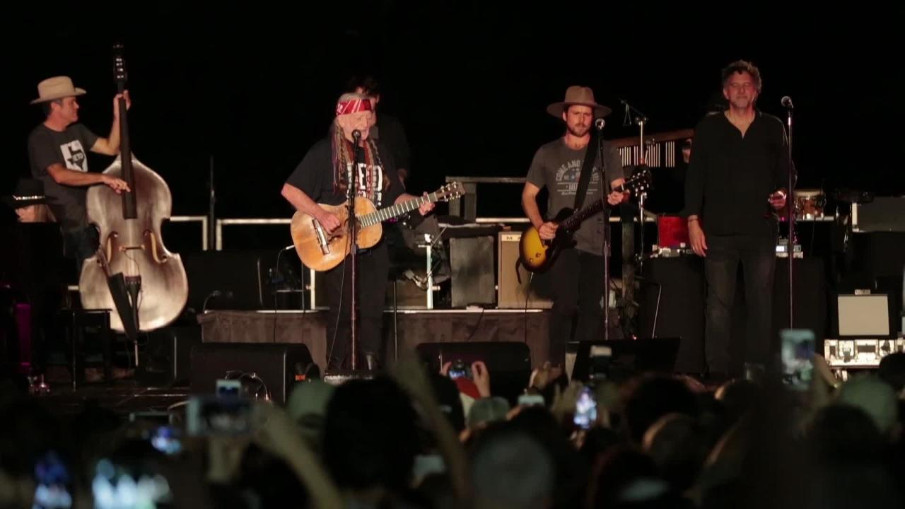c5b5db1f Willie Nelson's New Song 'Vote Em Out' Debuts at Turn Out For Texas With Beto  O'Rourke