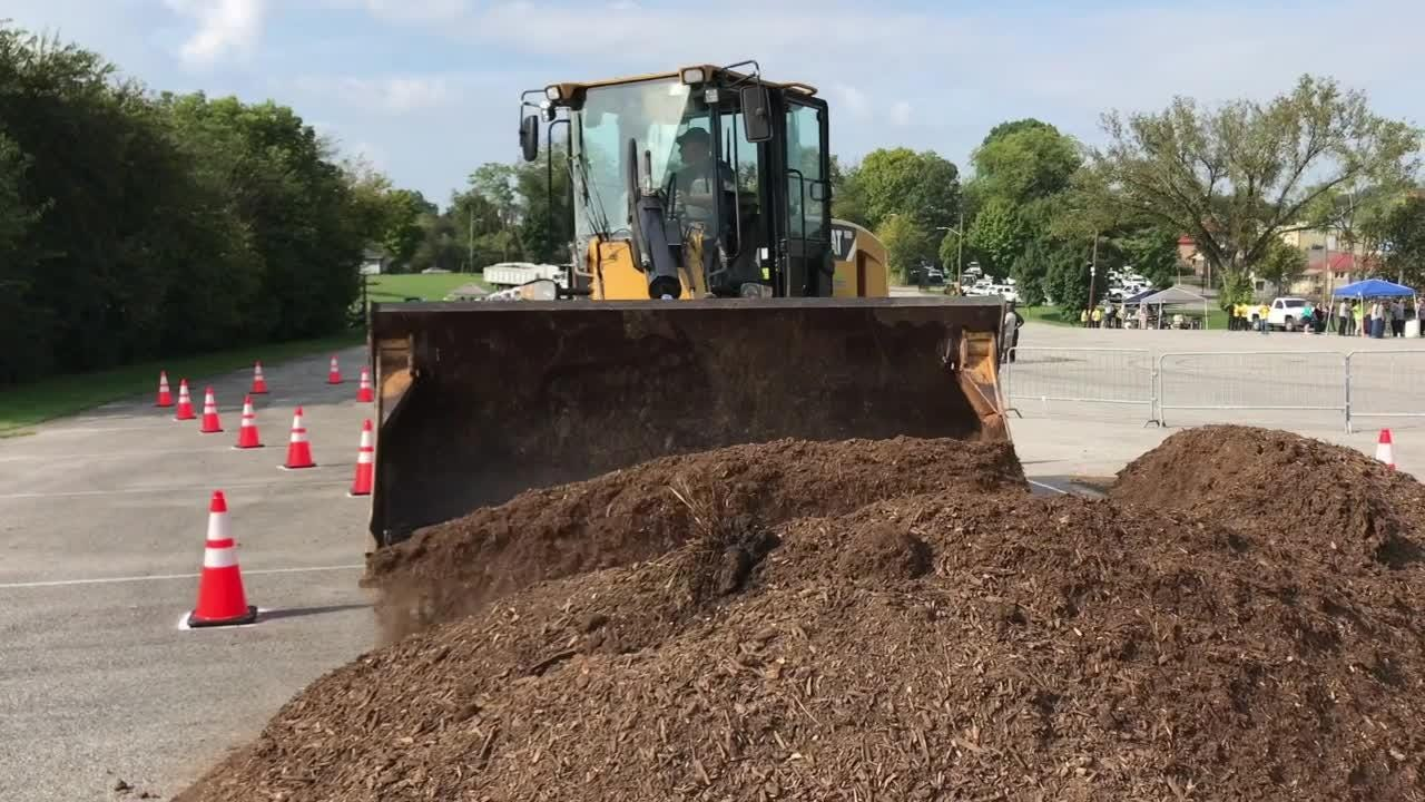 Knoxville Public Works equipment rodeo uses bulldozers, not bulls