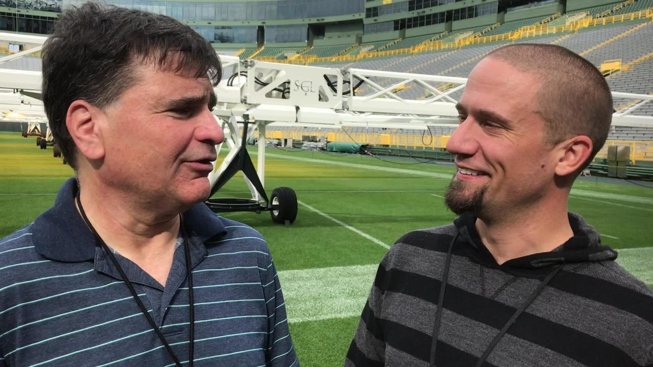 Packers beat writers Tom Silverstein and Jim Owczarski discuss Aaron Rodgers' remarks Wednesday about the state of the offensive game plan.