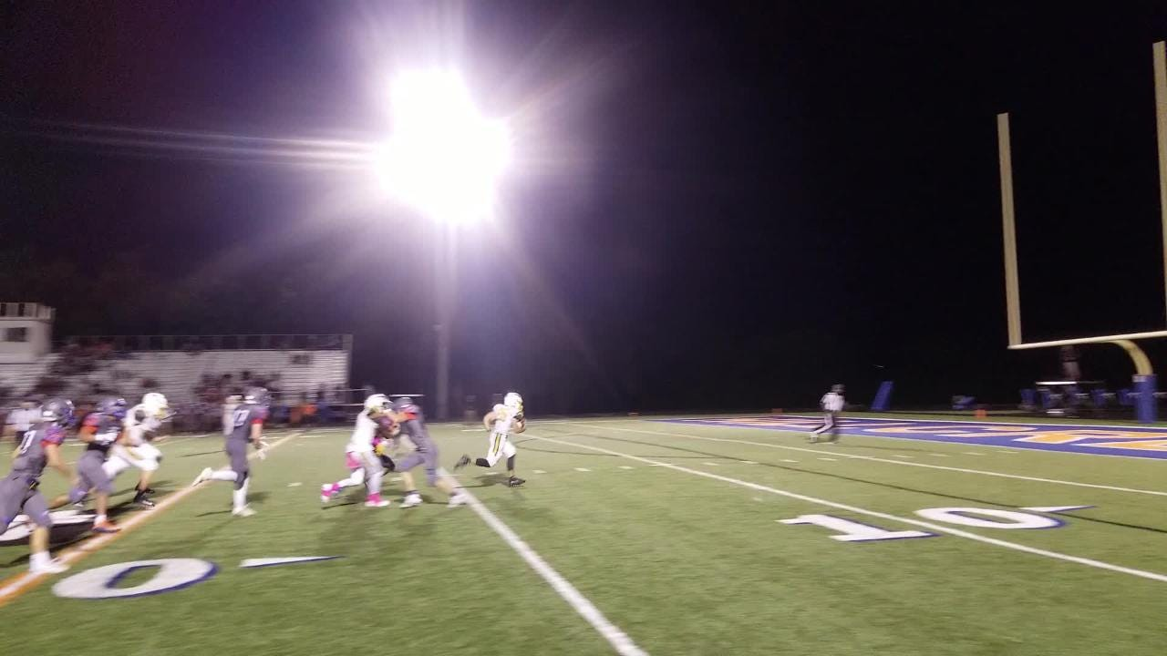 Parkview tailback Blake Delacruz breaks away for a 31-yard touchdown late in the Vikings' bid for a city sweep.