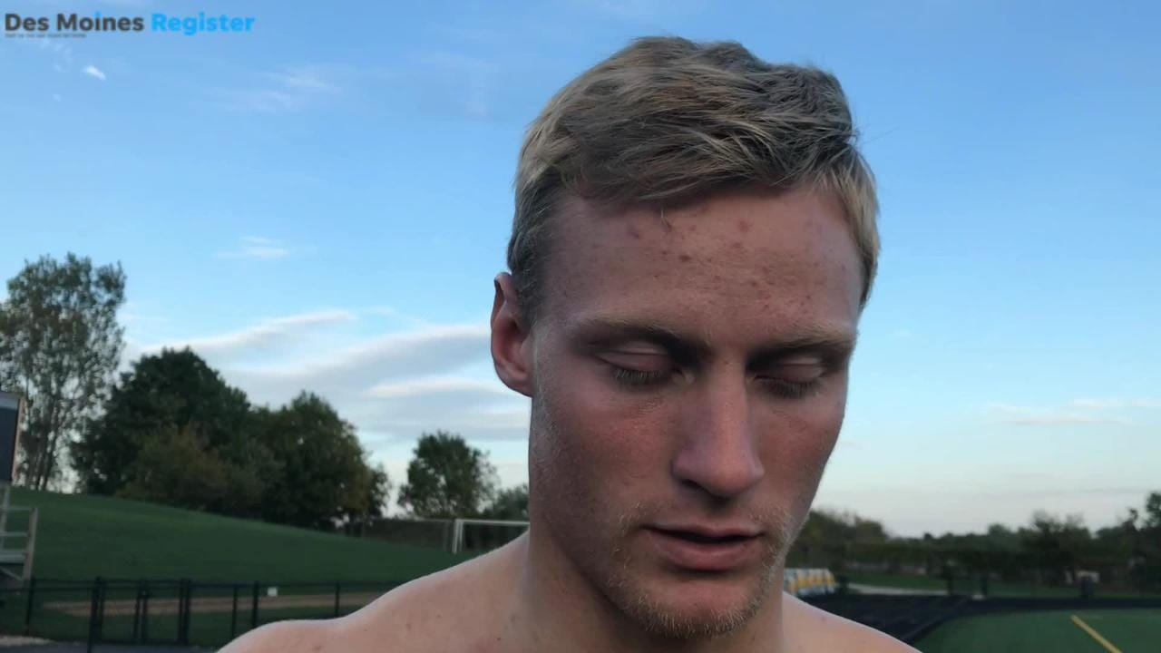 Bettendorf QB Carter Bell recalls handling his mom's cancer fight