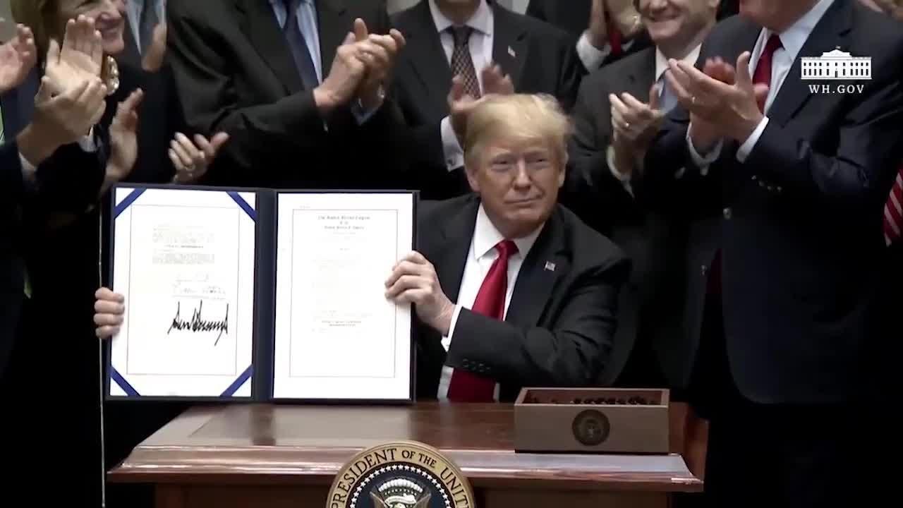 President Donald Trump signs landmark Music Modernization Act into law