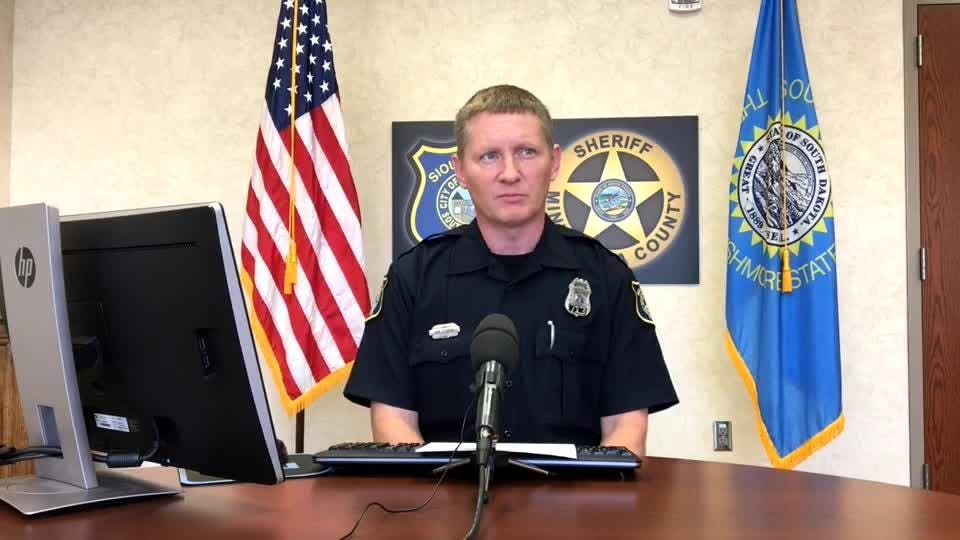 Police spokesman Sam Clemens goes over the call log and provides more details on a crash that injured two near I-229 and Minnesota Avenue.