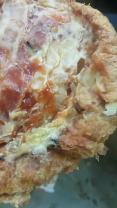 Brick woman finds flies, maggots in Dunkin' Donuts sandwich