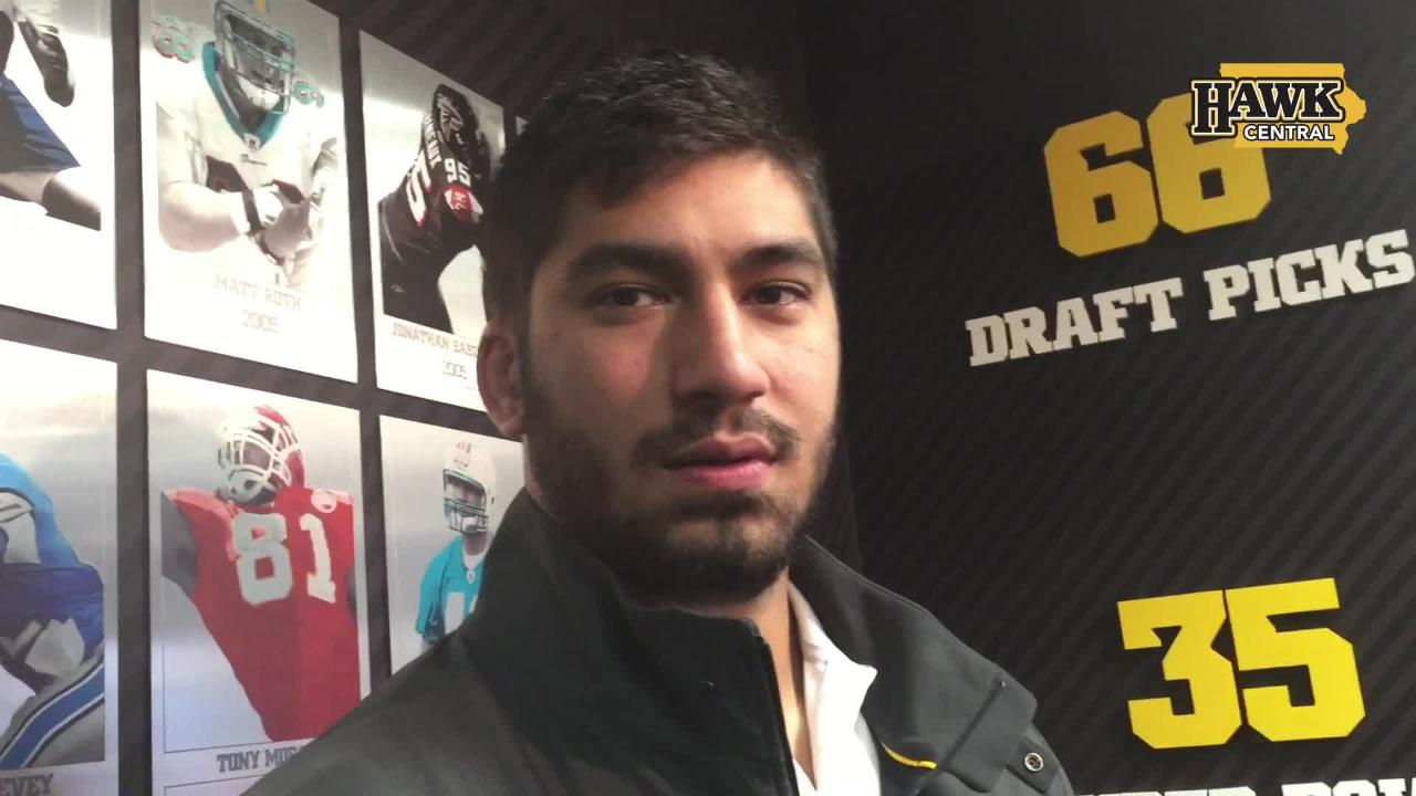 A.J. Epenesa and Iowa's defensive ends dominate a windy day at Kinnick