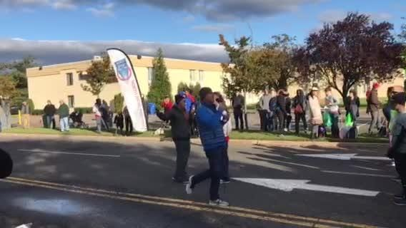 Mayor Rich LaBarbiera welcomed hundreds of racers to the annual 10K in Paramus.