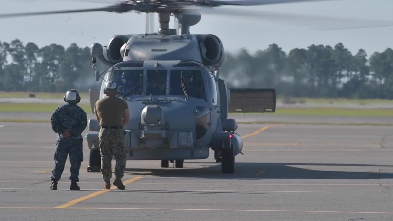 Navy fleet helicopters arrive at Whiting field