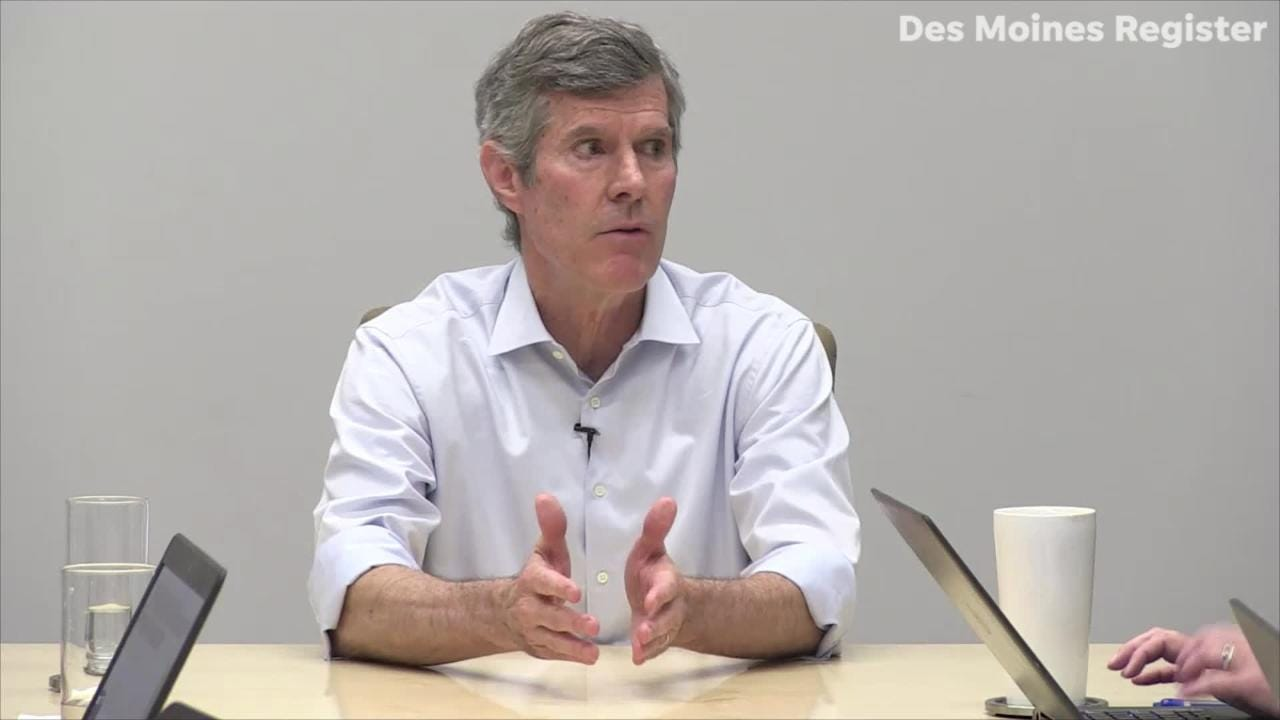 In the final Des Moines Register/Mediacom Iowa Poll before Tuesday's election, Fred Hubbell has a slight lead over Gov. Kim Reynolds.