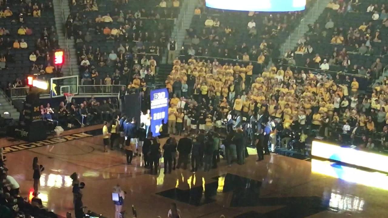 Watch the Wolverines unveil banners for the Big Ten tournament title and Final Four appearance, before the opener against Norfolk State, Nov. 6, 2018.
