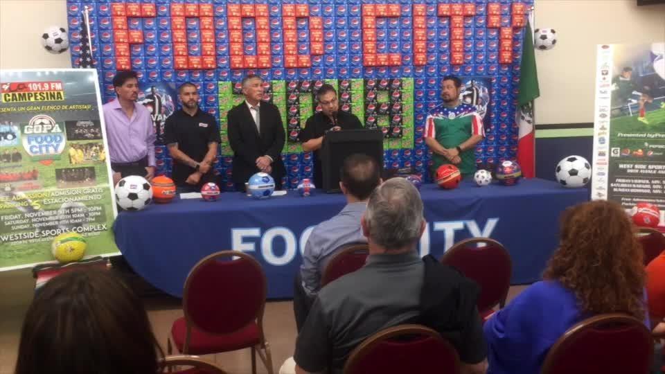 Con la presencia del ex atacante americanista Reynaldo Navia, fue presentada la edición 2018 de la Copa Food City en Phoenix