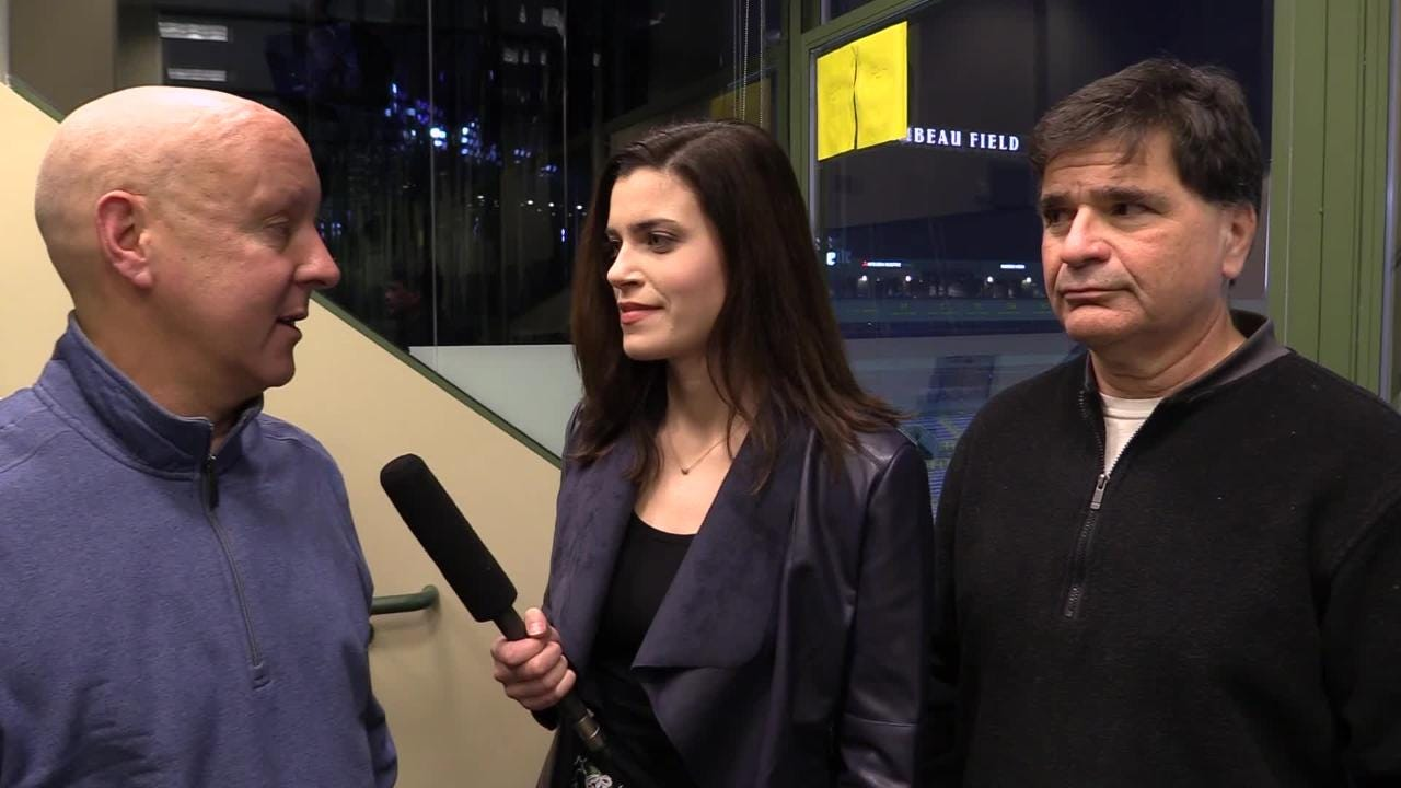 Pete Dougherty, Olivia Reiner and Tom Silverstein discuss rookie running back Aaron Jones' 145 rushing yards and Aaron Rodgers' inaccuracy.