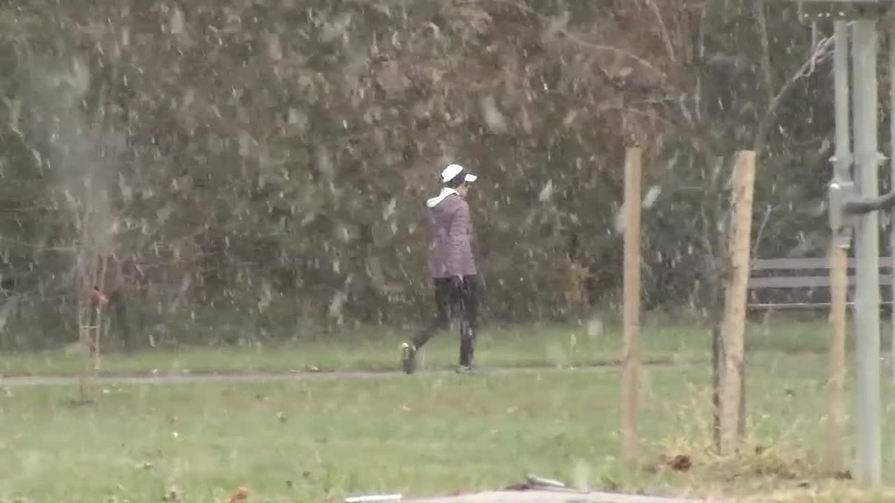 Snow falls in Milltown