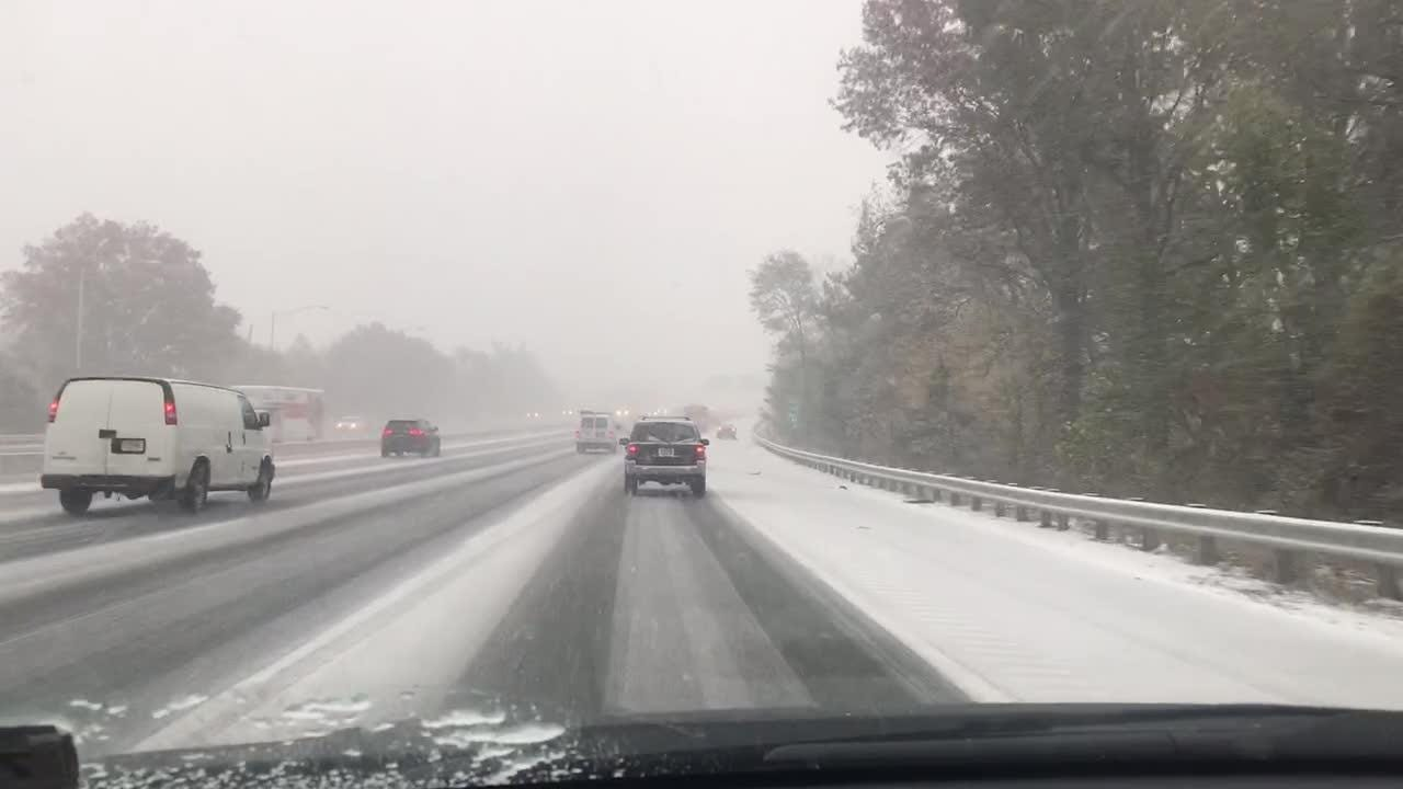 Snow falls on I-80 eastbound near the Garden State Parkway at 2:30pm on Thursday, Nov. 15, 2018.