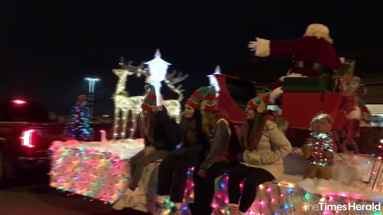 Santa arrives in St. Clair Friday, Nov. 16, 2018 during the Lighted Santa Parade and Christmas tree lighting ceremony.