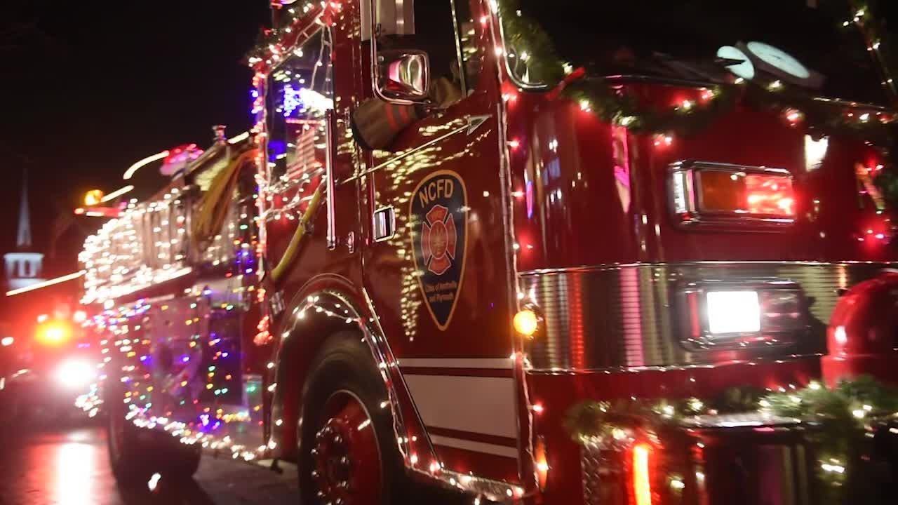 Hundreds line the streets of downtown to kick off the holiday season in Northville