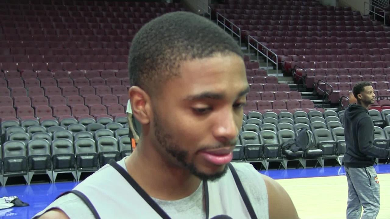 Phoenix Suns rookie Mikal Bridges talks about returning home to face the team that drafted him, the Philadelphia 76ers.