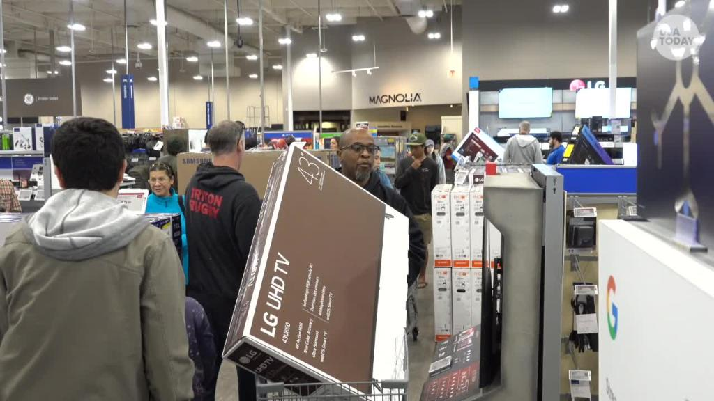 Black Friday: Best Buy shoppers on the hunt for TV bargains