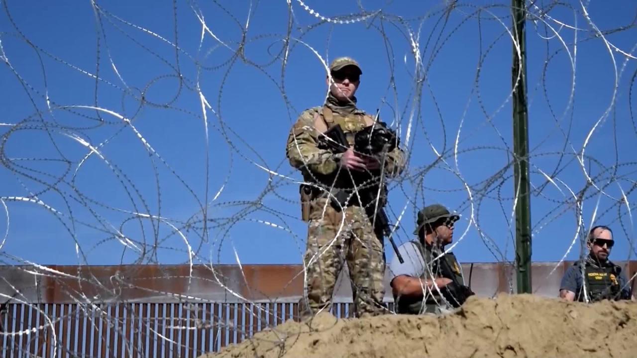 Las autoridades estadounidenses cerraron el cruce fronterizo de mayor tránsito hacia Estados Unidos desde Tijuana.