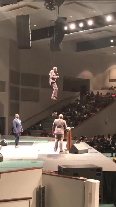 Floating Mississippi Pastor Goes Viral