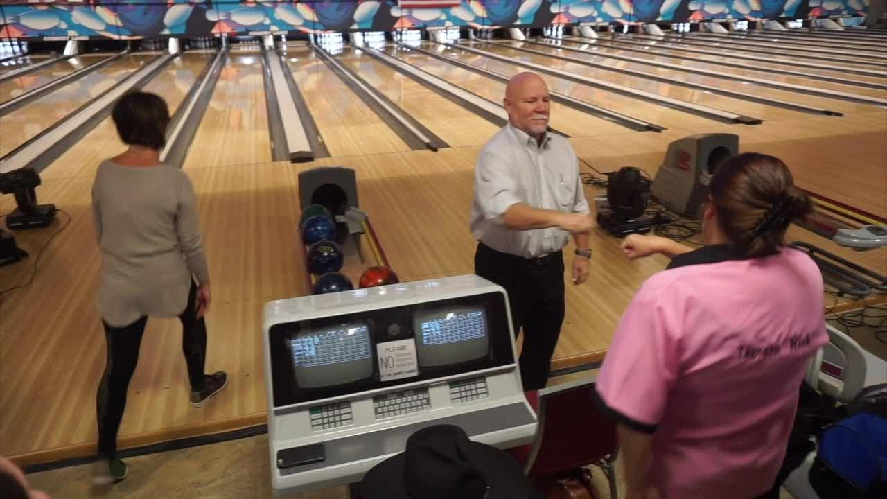 Farmington and Farmington Hills mayors and teams battle for bragging rights and charity at the newly-remodeled Country Lanes.
