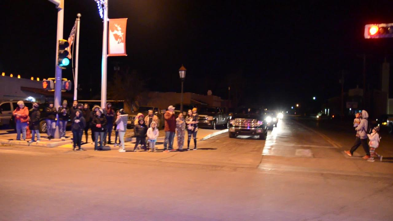 Deming Headlight rides with Deming Police official to get small sense of crowd attendance.