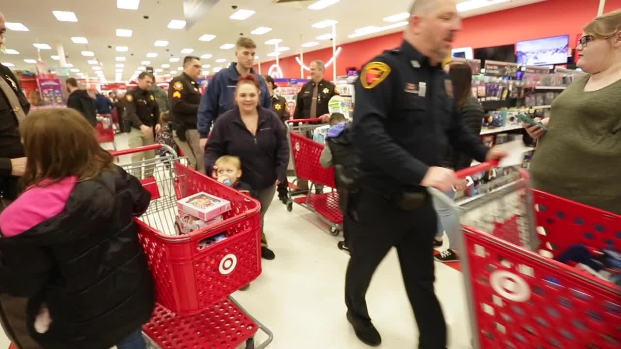 In its 21st year, Shop with a Cop helps make Christmas possible for many kids