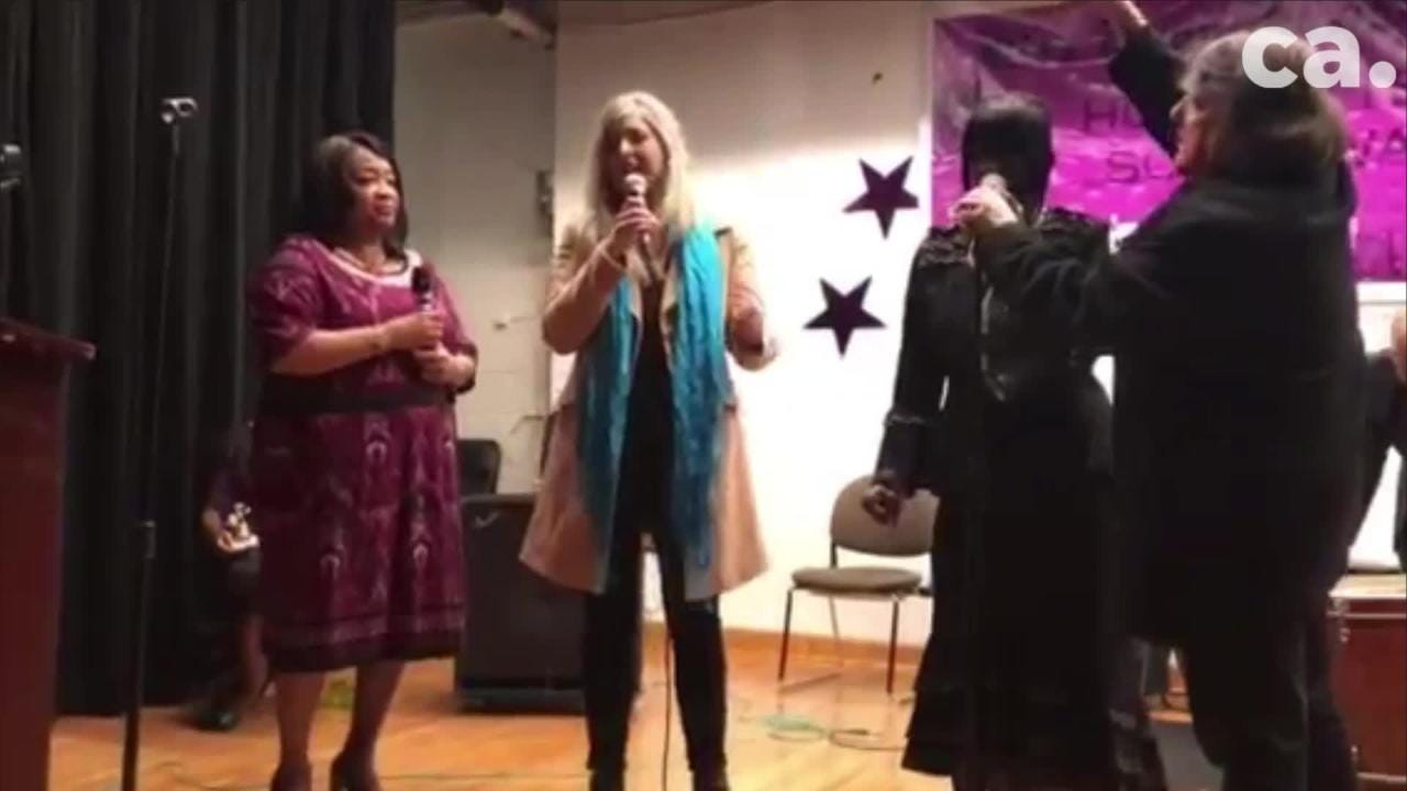 "Singers Lisa Stephens and Mattie Williams sing a version of ""A Change is Gonna Come,"" along with another woman and recording CEO Carl Blue Wise during the Hot Buttered Soul Awards."