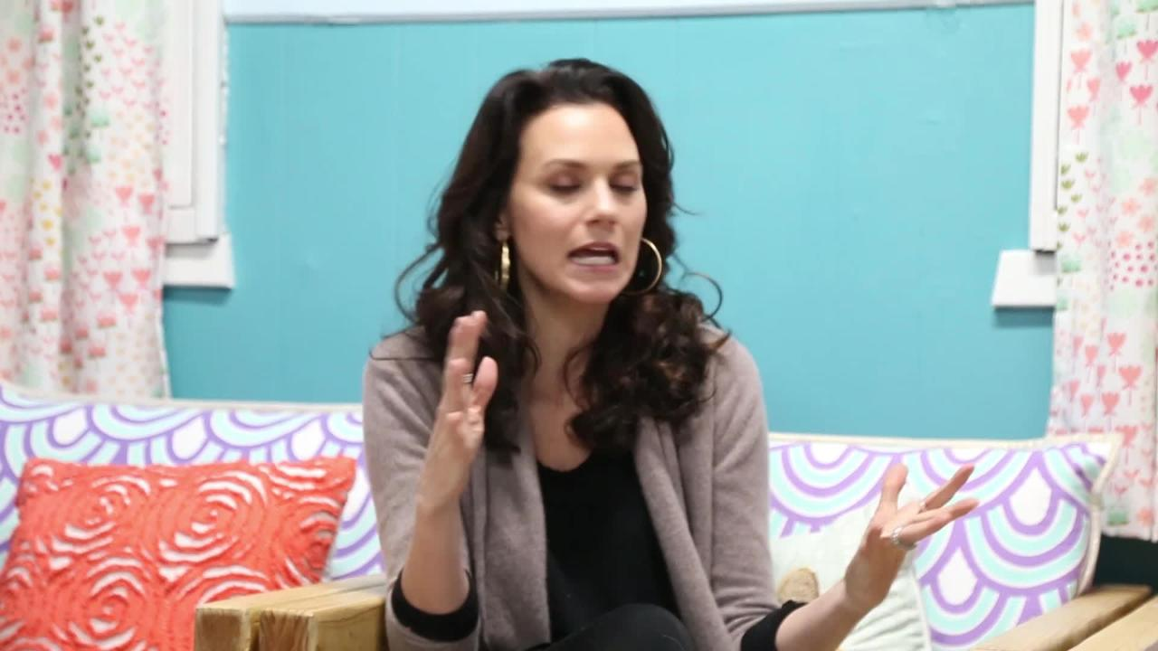 Video: Hilarie Burton on Scary Stories III