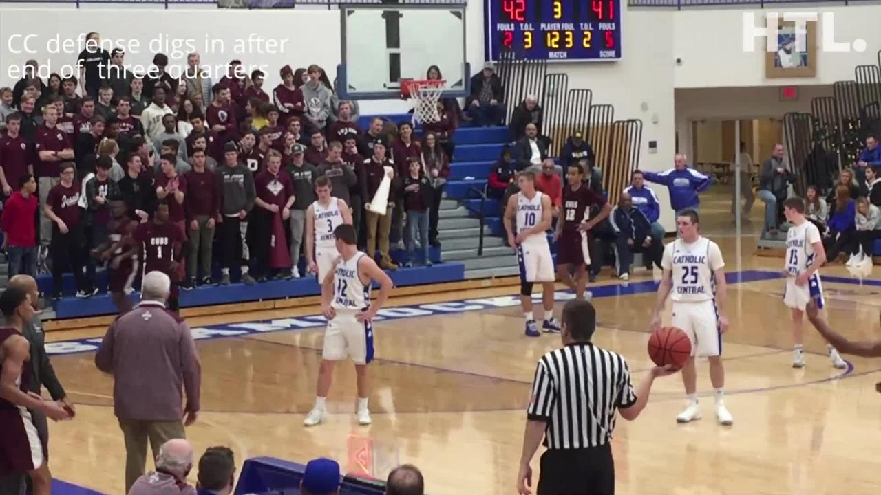 Junior forward J.T. Morgan scored the game-winning basket with only a second left in U-D Jesuit's 60-59 win over Detroit Catholic Central.