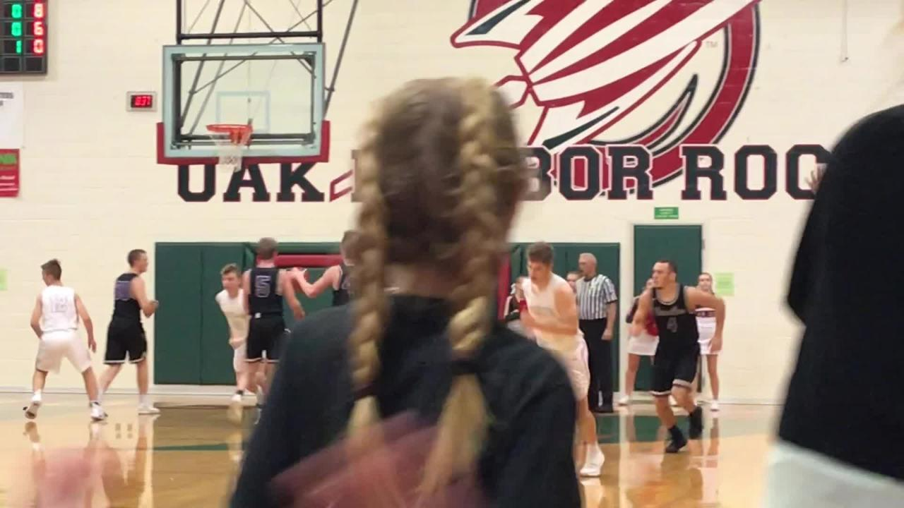 Jac Alexander scored 27 points in Oak Harbor's setback to Vermilion in the SBC Bay Division.