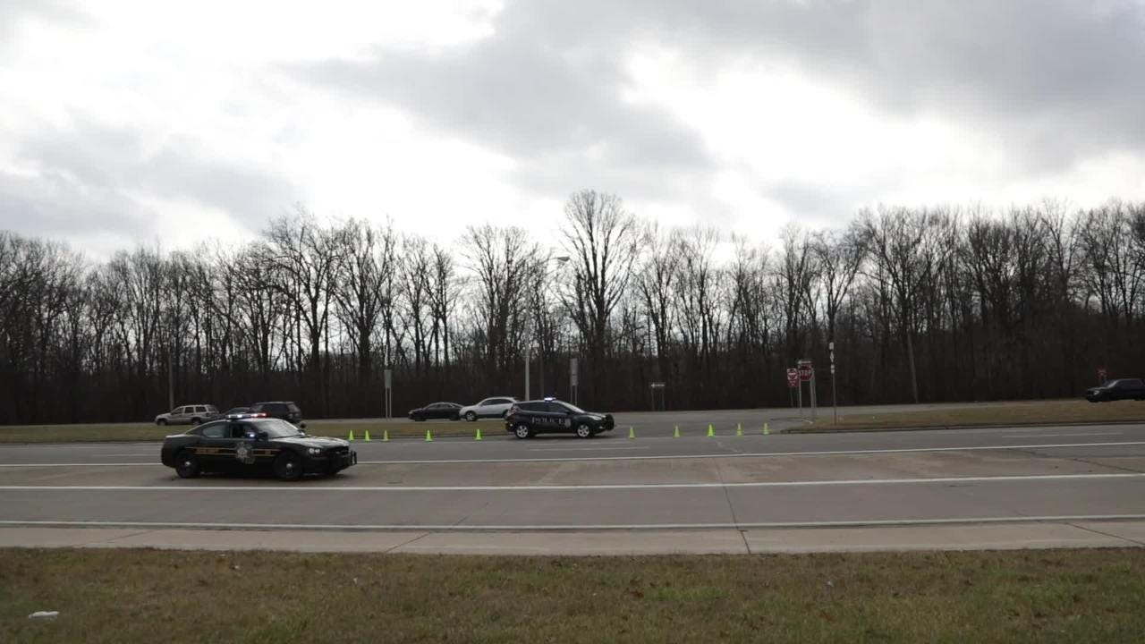 Hearses for family of 5 killed on I-75 escorted