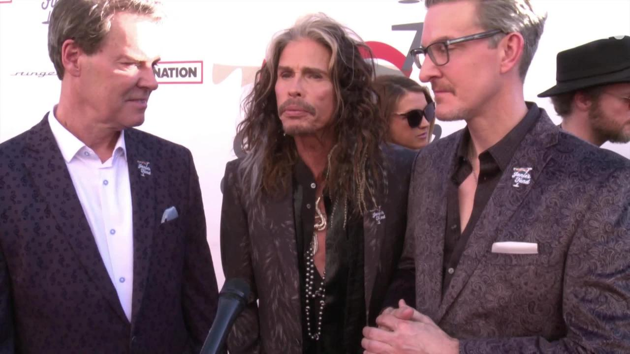 Aerosmith's Steven Tyler has donated $500,000 to renovate a home at Youth Villages, creating the second Janie's House in the country.
