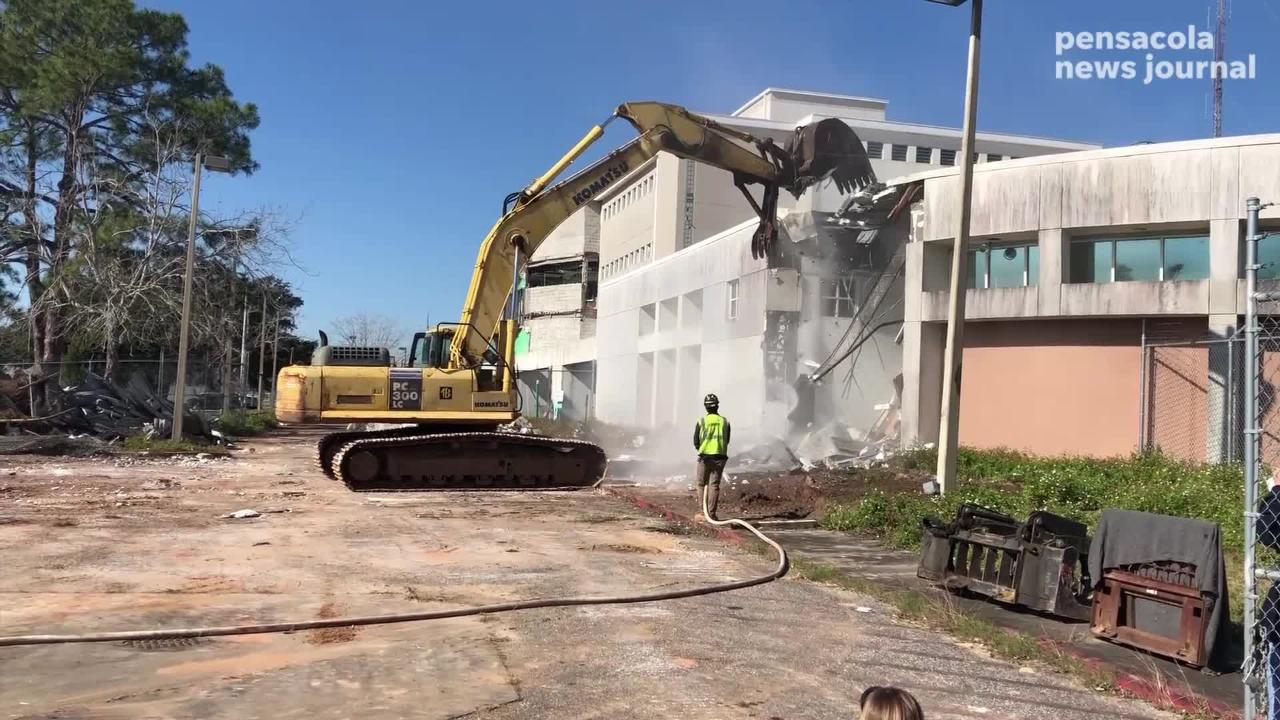 The Escambia County begins demolition on the jail building that exploded in 2014 on Wednesday, Jan. 16, 2019.