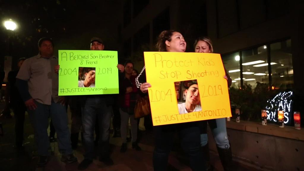 Mother of shooting victim protests outside Tempe police headquarters | AZ Central