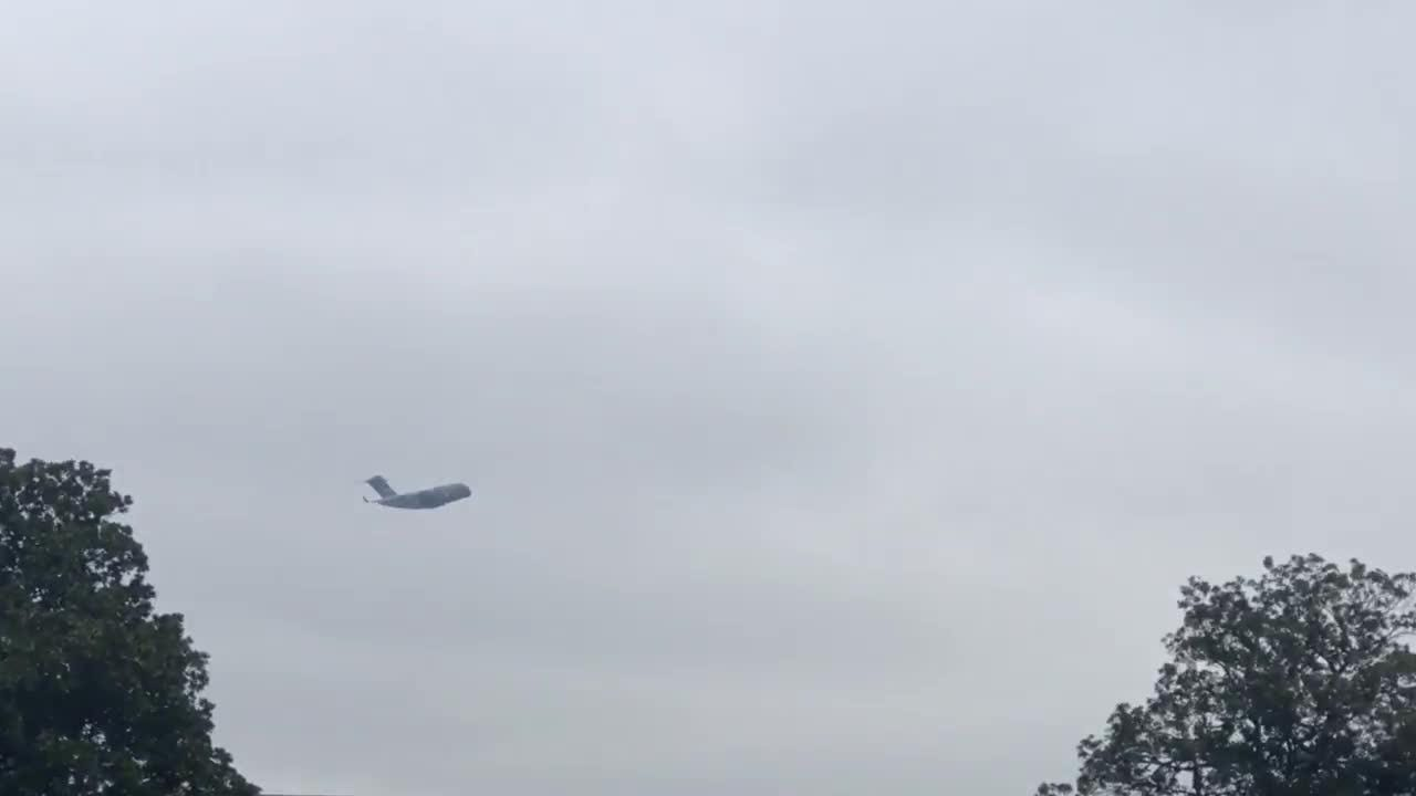Aaron Fidler, a professor at Vanderbilt University, recorded several low passes of the  C-17 Globemaster from where he stood on campus, before the plane gained height.