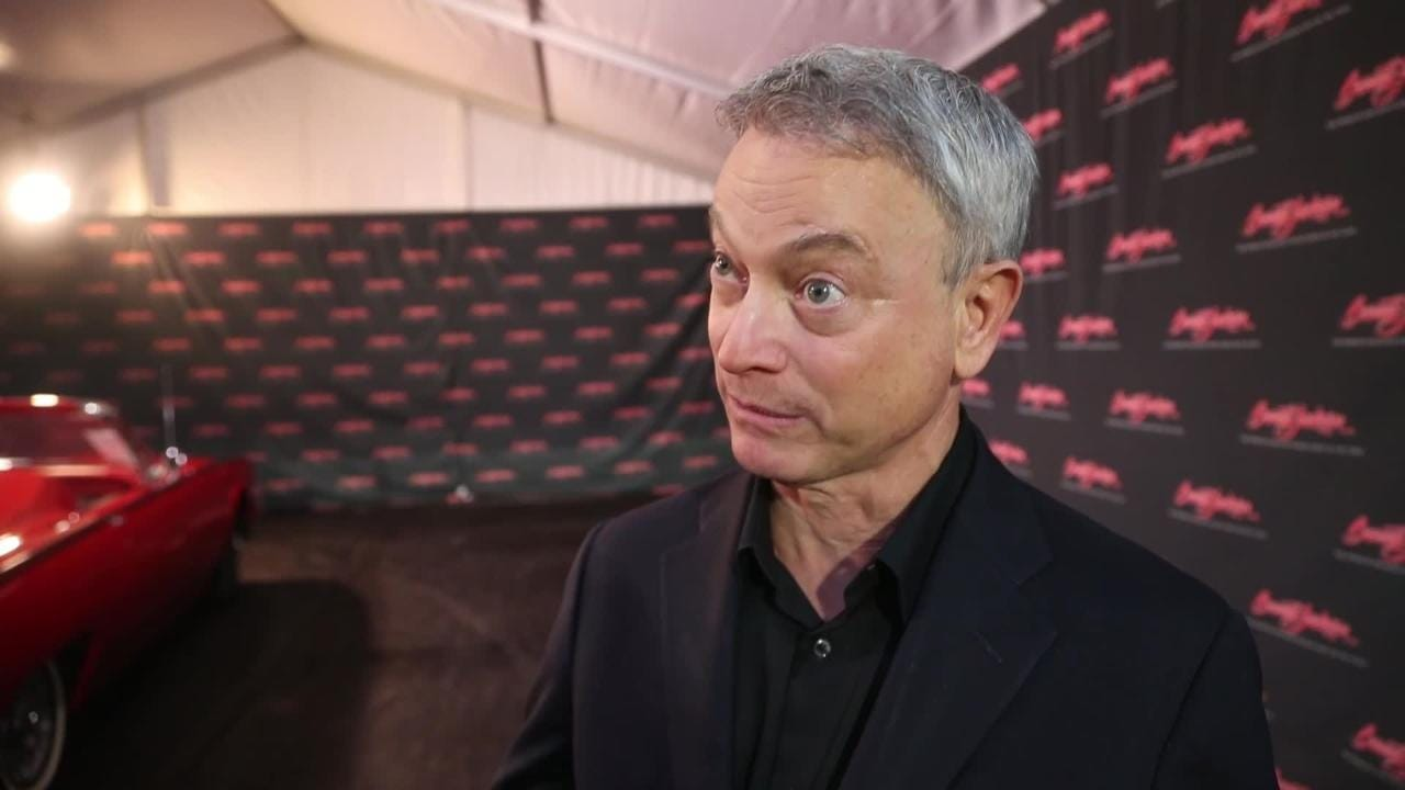 Actor Gary Sinise talks about helping to auction a custom Jeep to benefit his foundation for wounded veterans and first responders.
