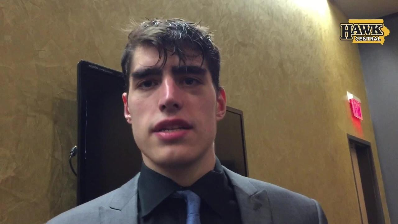 Iowa center Luka Garza finished with 20 points in the 95-71 win against Illinois.