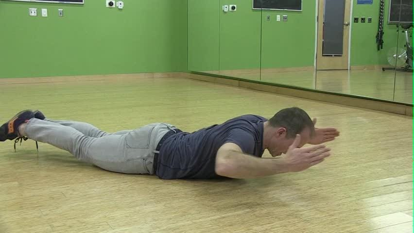 The prone row exercises works the core muscles and shoulders.