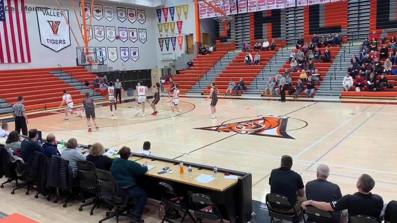 Jadin Johnson showed off a consistent midrange jumper against West Des Moines Valley.