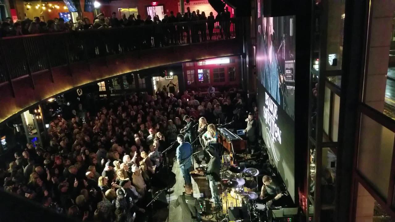 Blake Shelton performed at surprise show at Ole Red, his bar on Lower Broadway.