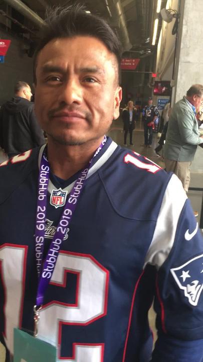 Este aficionado de Hidalgo, México, vino a Atlanta a apoyar a sus Patriotas