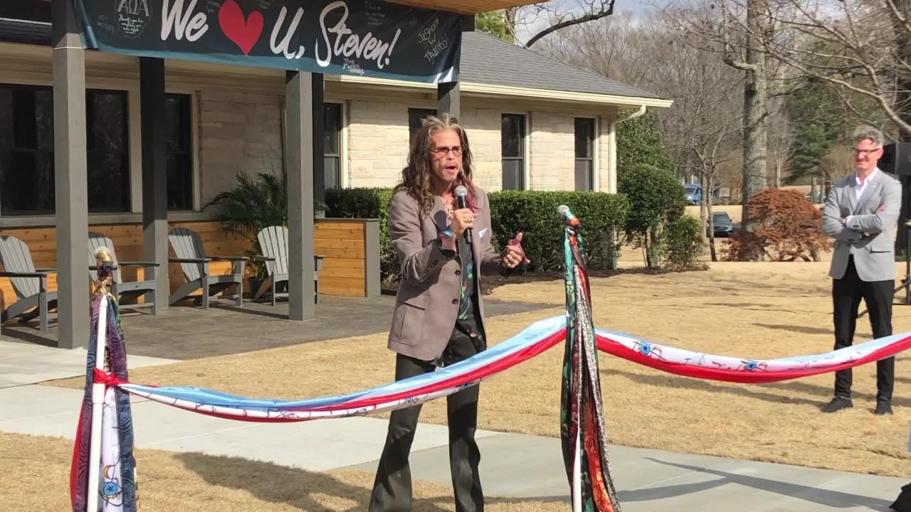 Steven Tyler talks about the origin of Janie's House, the second such house in the country that serves abused and neglected girls.