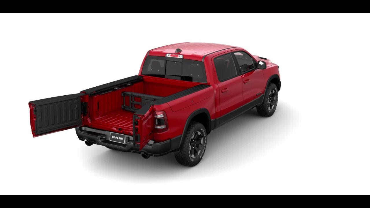 The 2019 Ram 1500 pickup gets an optional multifunction tailgate to make it easier to load cargo.